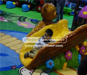 The soft foam slide with steps in bear and flower decoration